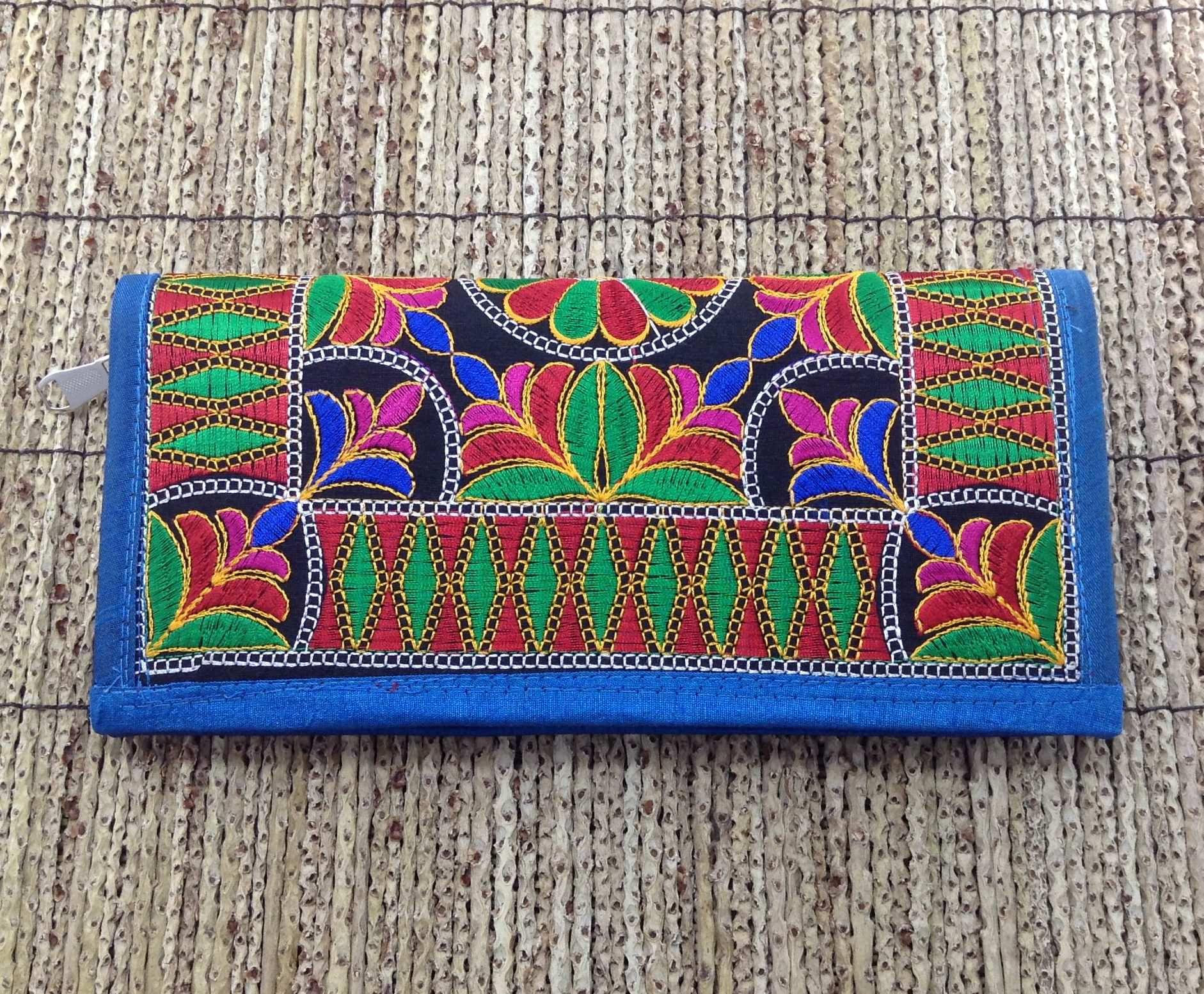 Bolsa De Mao Indiana : Clutch indiana vintage bordada a m?o azul bazar