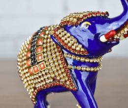 Elefante de metal esmaltado com técnica cloisonné e pedrarias azul foto 3
