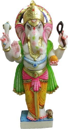 Ganesha em pé