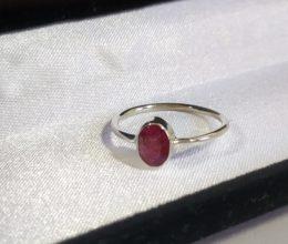anel pedra granada