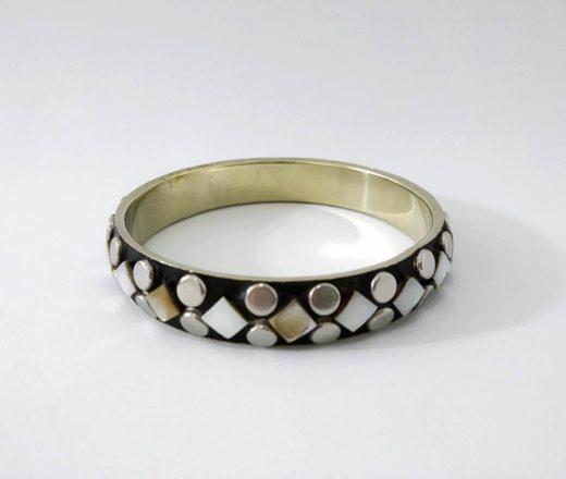 pulseira indiana de metal com madrepérolas