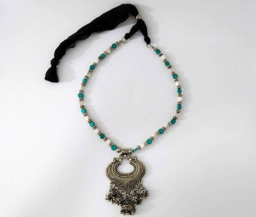 colar indiano com pedras turquesa