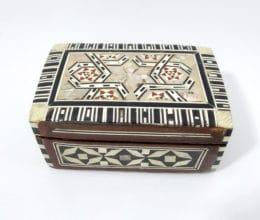 caixinha indiana de madeira e madrepérolas