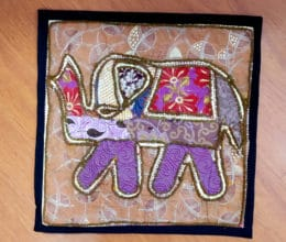 almofada indiana com elefante