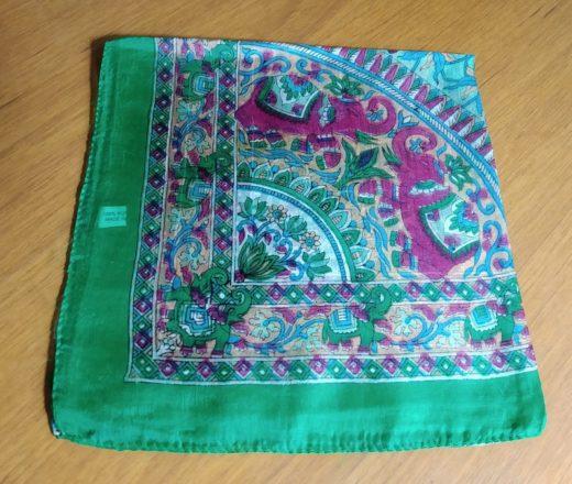 lenço de seda verde