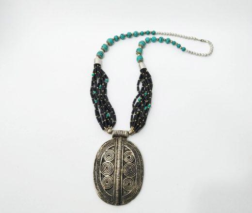 colar indiano de pedras