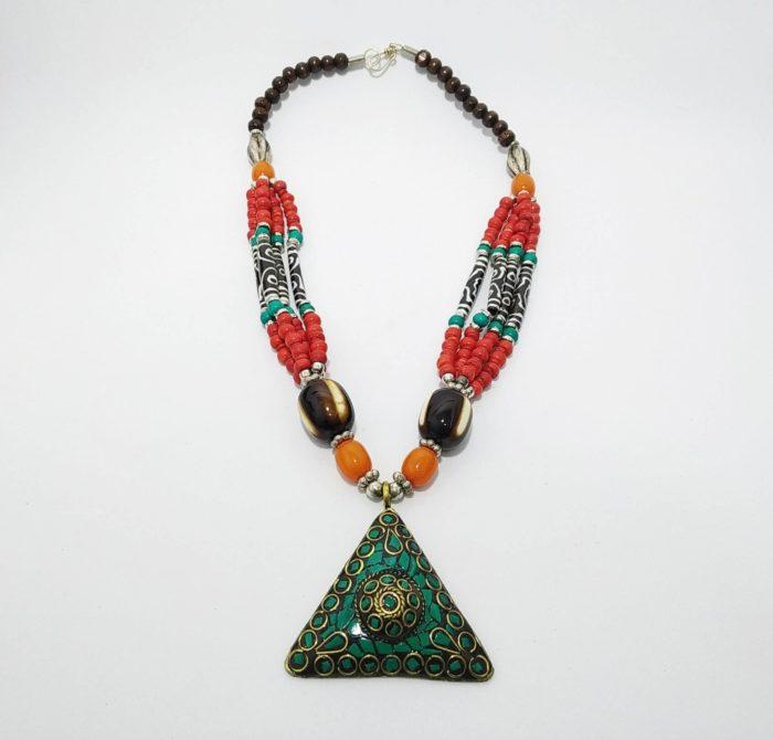 colar tibetano colorido