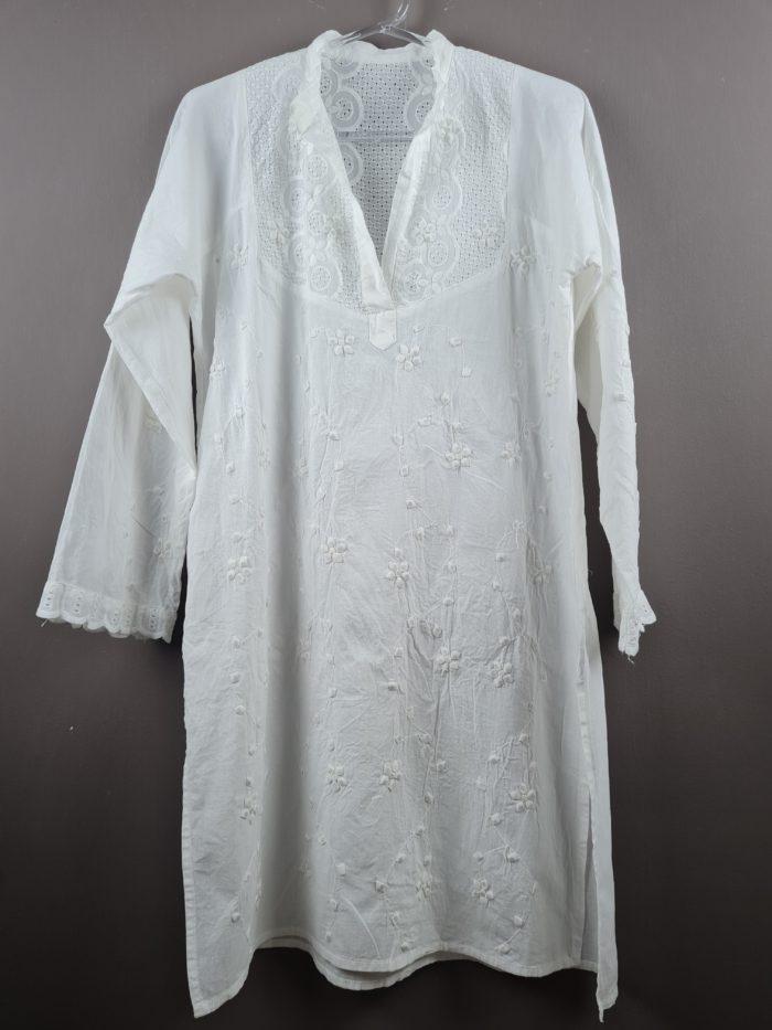 Tunica indiana de algodão bordada