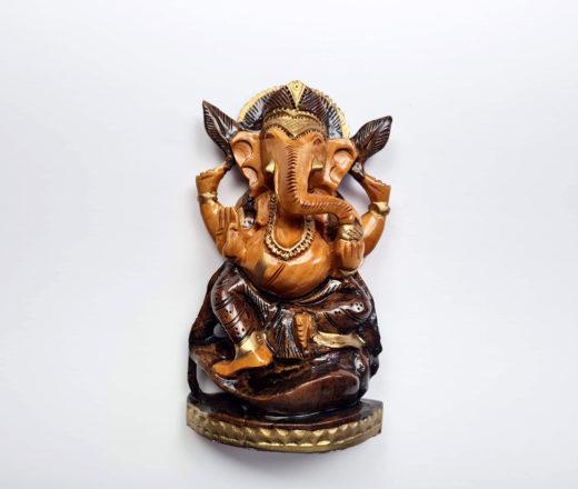 estátua indiana de Ganesha esculpido em madeira