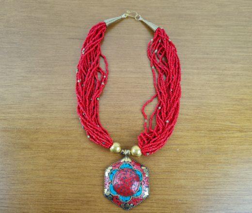 colar tibetano indiano pedras vermelhas