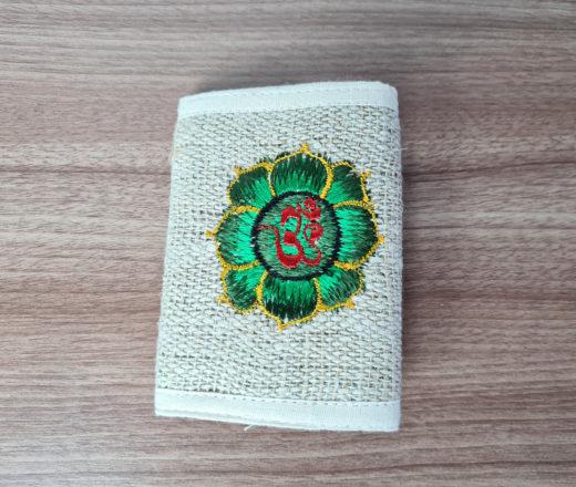 carteira indiana de cânhamo com bordado de Aum (om)