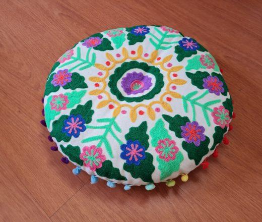 almofada redonda indiana bordada