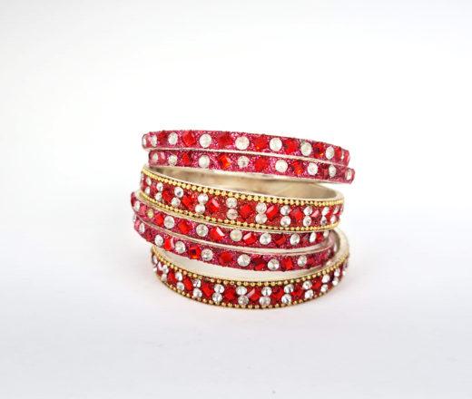 conjunto de pulseiras indianas vermelhas com pedrinhas