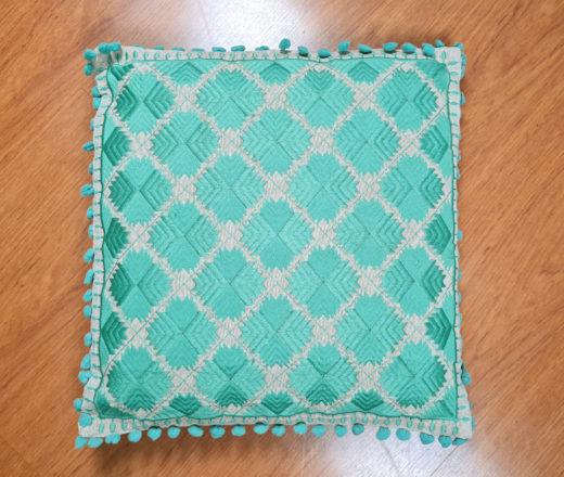 almofada indiana bordada verde