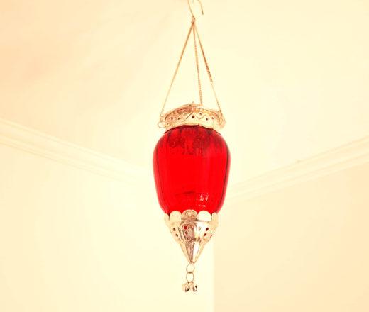 luminária indiana de vidro e metal com vela