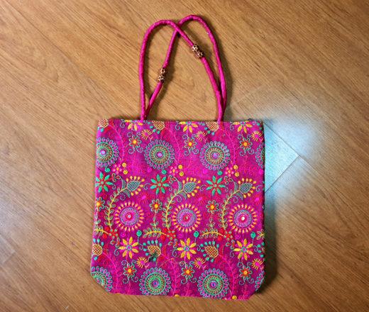 bolsa indiana bordada floral rosa