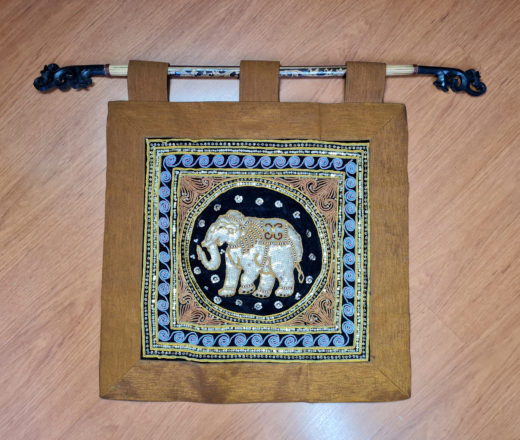 panô indiano de parede de seda com elefante em paetês e bordados