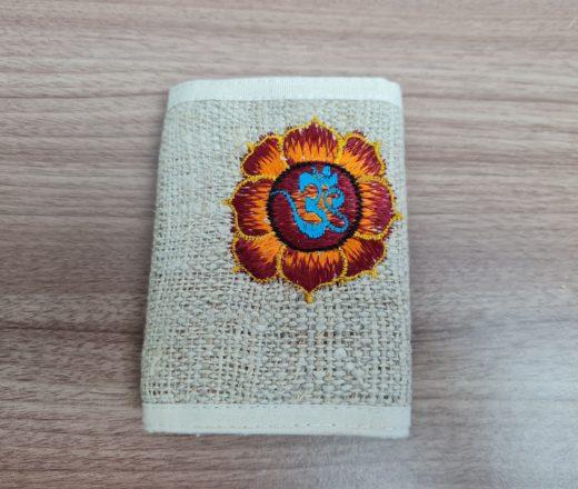carteira indiana de cânhamo com símbolo de OM bordado